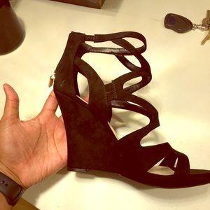 New Jessica Simpson black Delina size 10 wedge